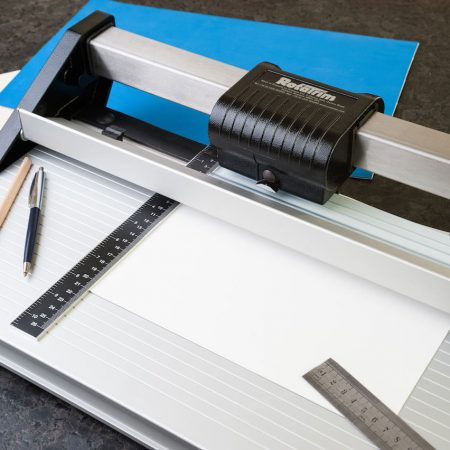 Side ruler paper cutter