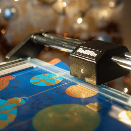 Wrapping paper trimmer